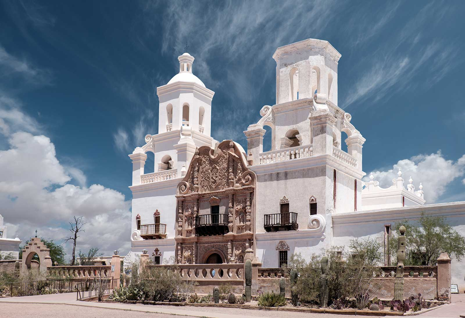 Mission San Xavier del Bac - Tucson Attractions