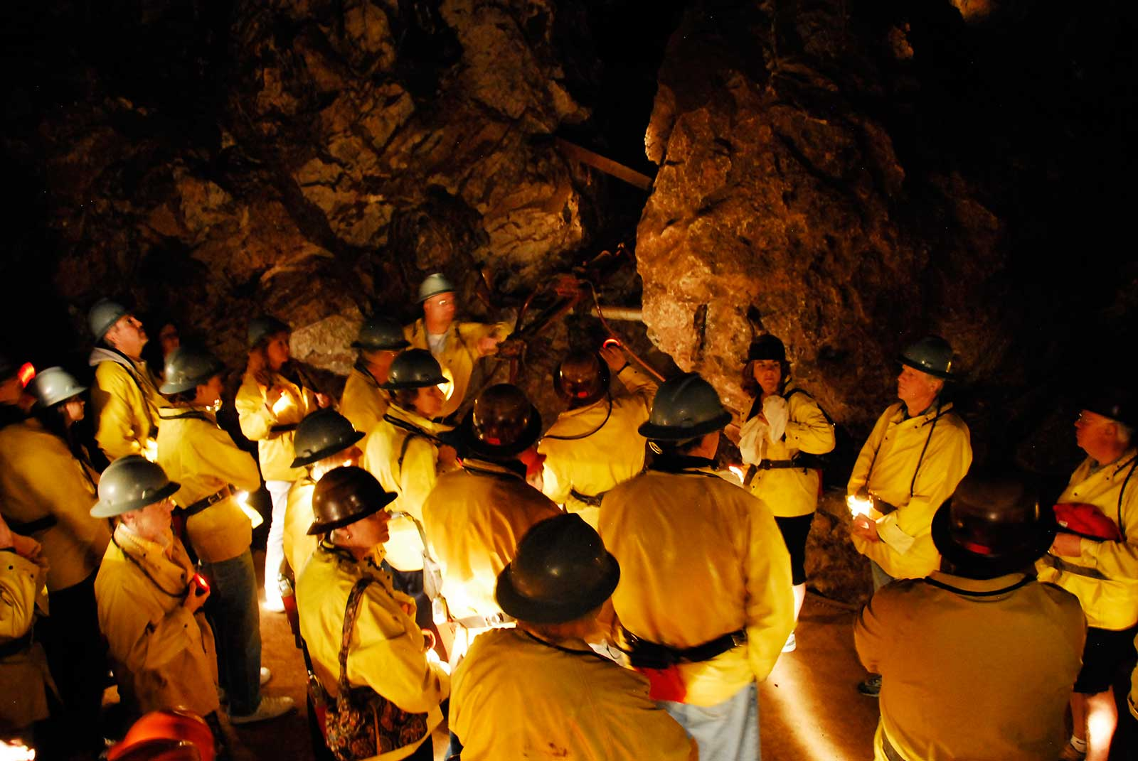 QUEEN MINE TOURS